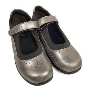 DREW Rose Mary Jane 9 M Pewter Metallic 14375-86